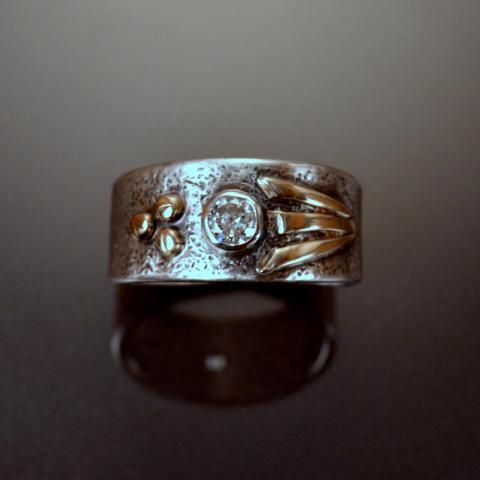 Custom Men's Wedding Ring