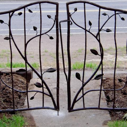 Double Yard Gate