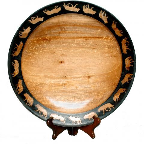 Wolf Platter. Big leaf maple, dyes, pyrography.